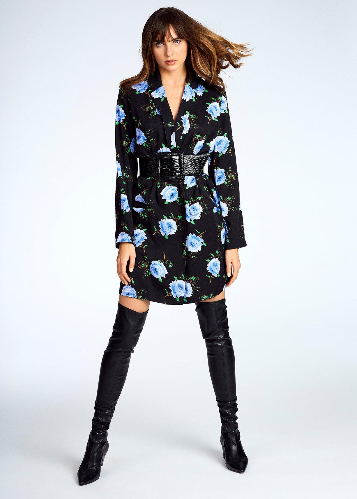 Jane-Young-Essentiel-Antwerp-Blazer-Dress-Model