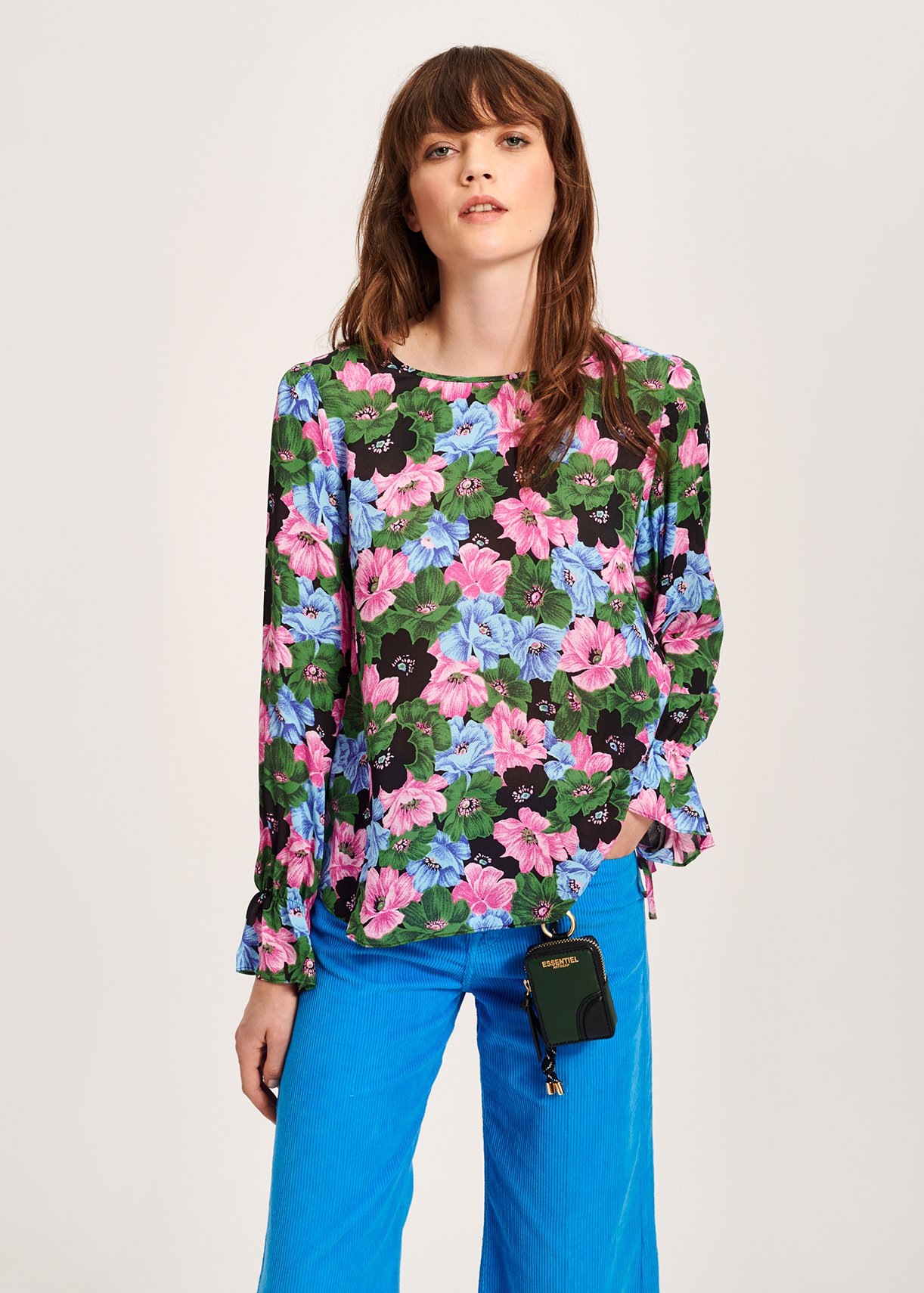 Jane-Young-Essentiel-Antwerp-Floral-Blouse-Model