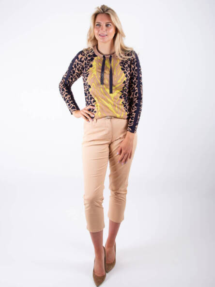 Jane-Young-Betty-Barclay-Animal-top-outfit